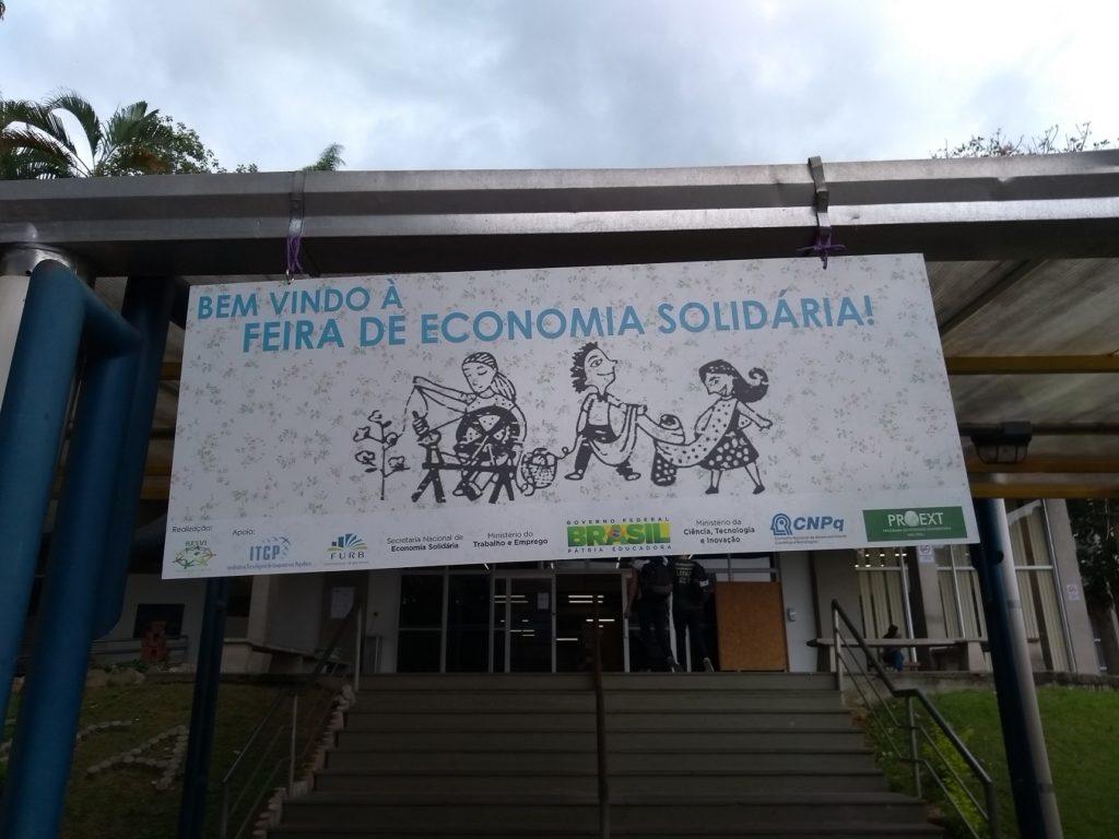 Feira da Economia Solidária, na FURB, em Blumenau