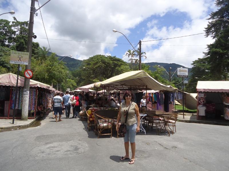 Minha prima batendo perna na Feira em Teresópolis!