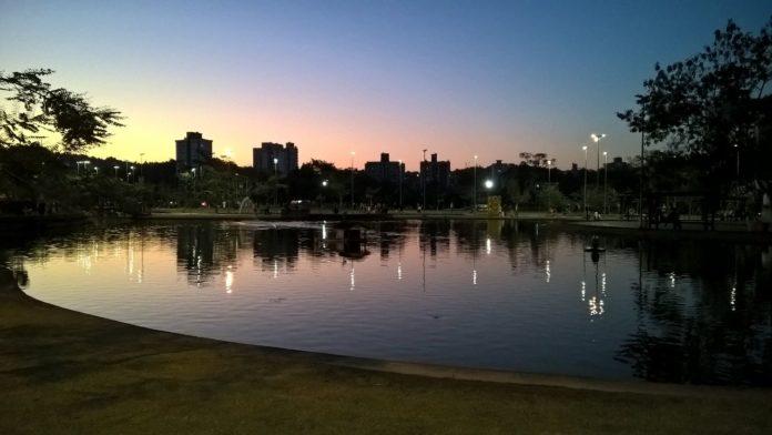 Blumenau, Parque Ramiro ao entardecer