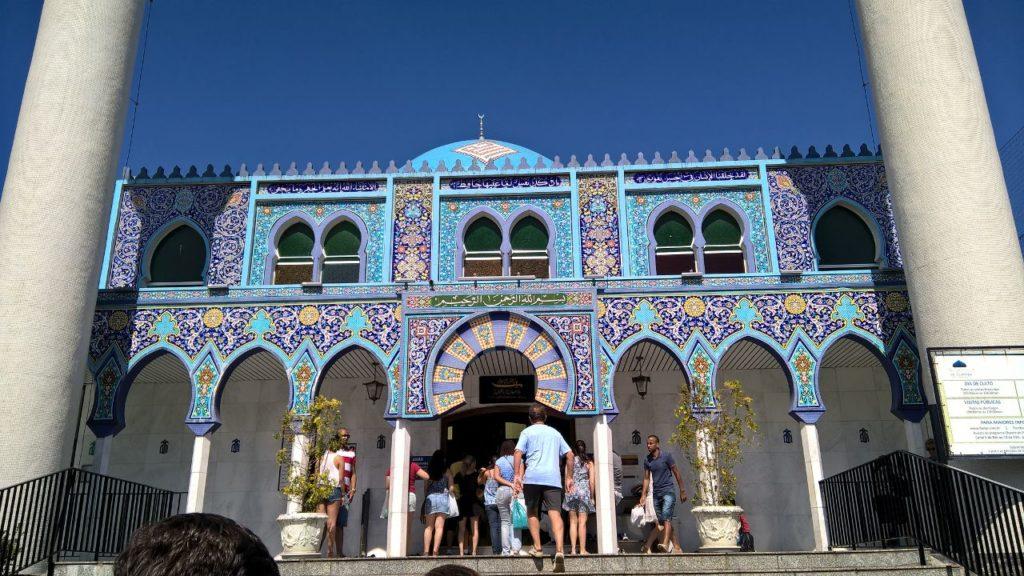 Mesquita no Lago da Ordem, em Curitiba