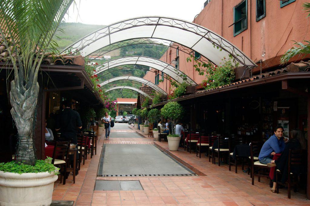Centro comercial no Distrito de Itaipava em Petrópolis
