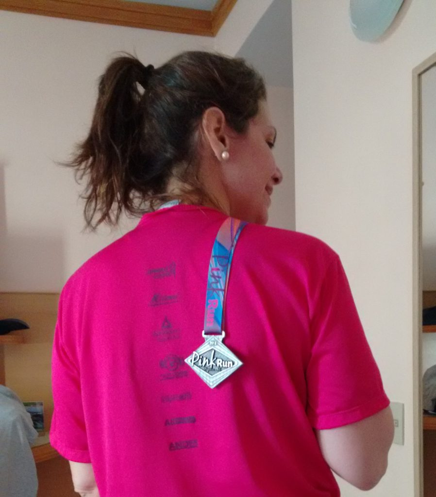 Eu e minha medalha da PinkRun Itapema