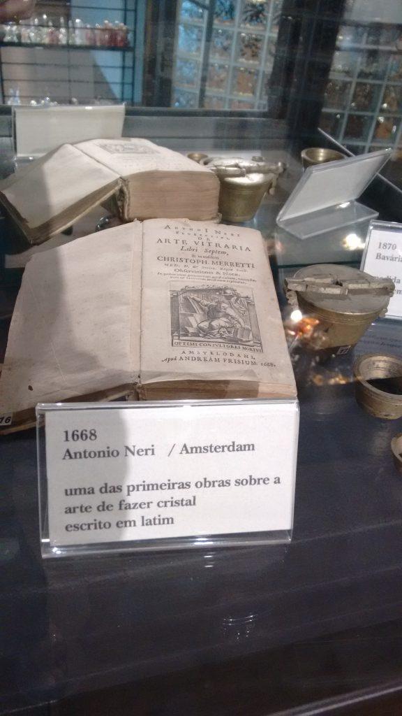 Rota do Cristal e Porcelana, livro sobre a arte do cristal de 1668