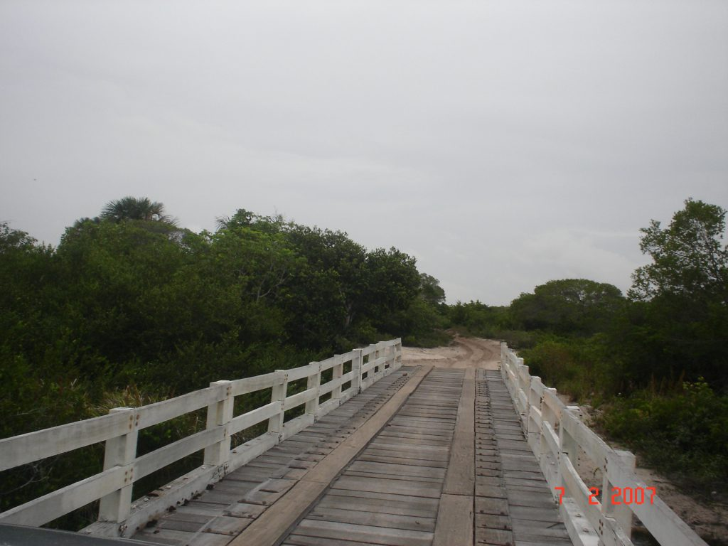 Ponte de ligação que leva para os lençóis