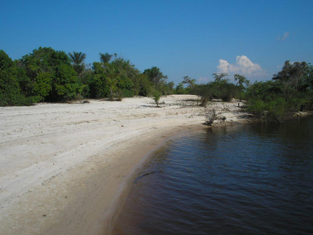 Prainha no Rio Negro