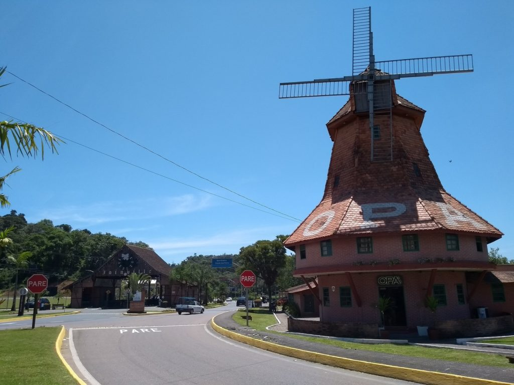 Moinho do Opa, na entrada de Joinville, Santa Catarina