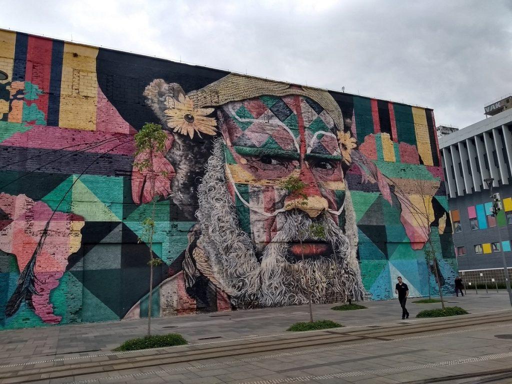 Mural Etnias, no Boulevard Olímpico.