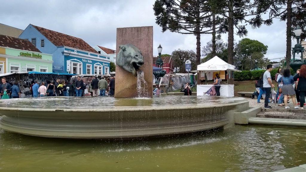 Antigo bebedouro do Largo da Ordem, Curitiba