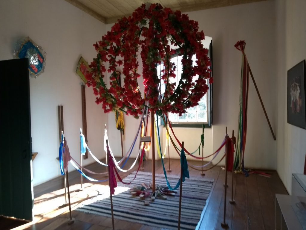 Pau de fita, uma referência das danças açorianas