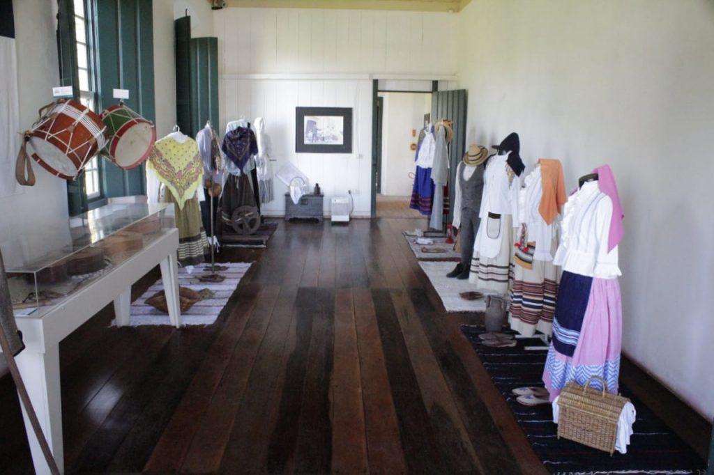 Vestimenta típica dos povos açorianos, faz parte do acerco do museu